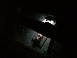 Die Falle beleuchtet durch die Webcam an ihrem endgültigen Standort